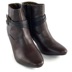 Rialto Women's Closed Toe Fashion Boots Size 6M